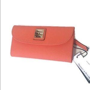 🆕 Dooney & Bourke Coral tri-fold Wallet